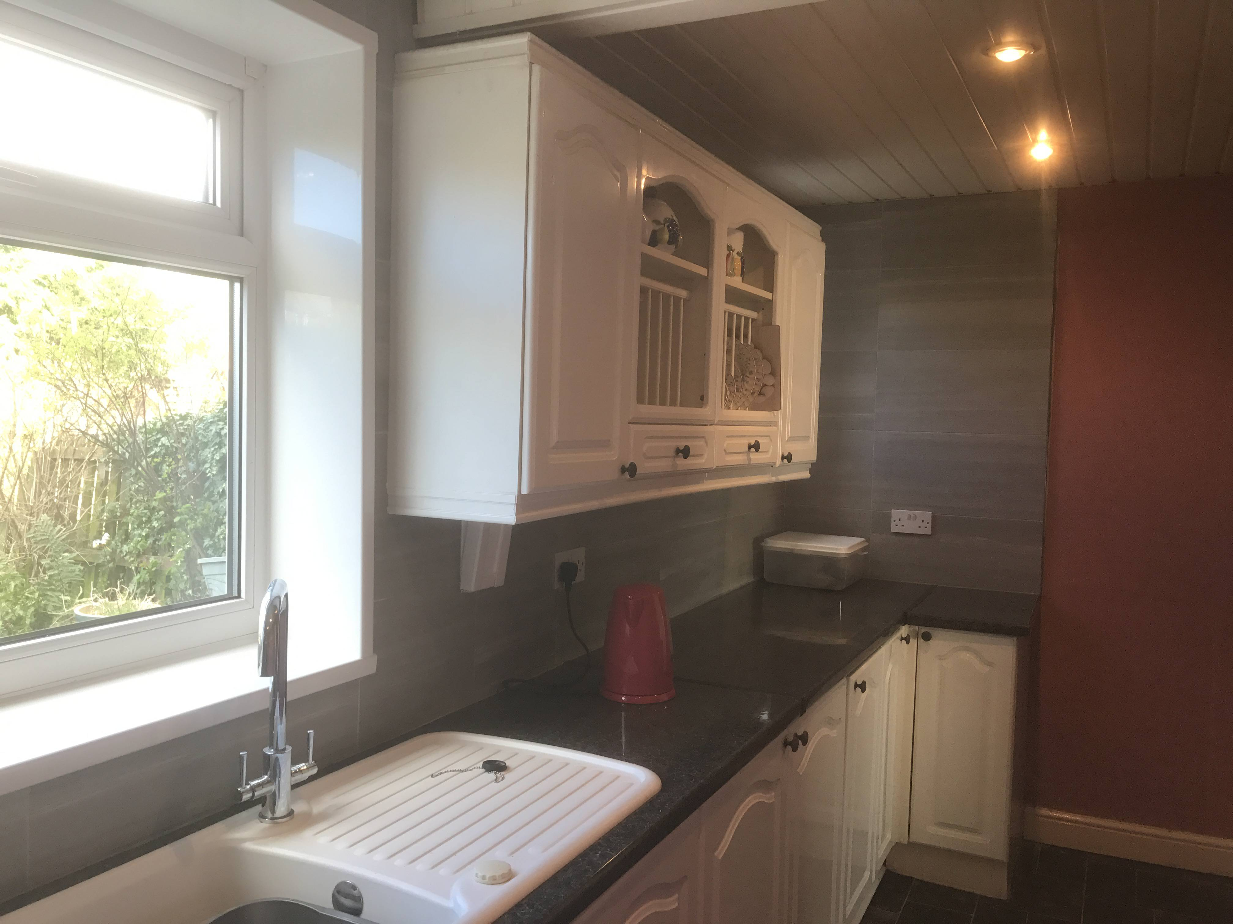Kitchen and tiling